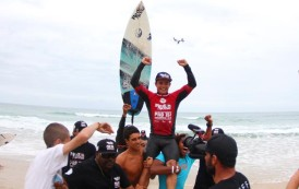 Deivid Silva é o campeão do Red Nose Pro no Santinho