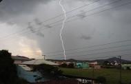 Mau tempo prejudica fornecimento de energia em Santa Catarina