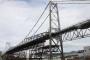 Estrutura de sustentação da Ponte Hercílio Luz recebe penúltima treliça