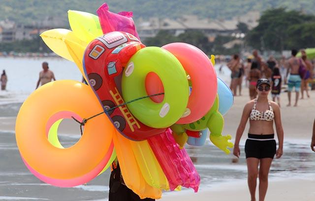 Abertas inscrições para ambulantes nas praias da Capital