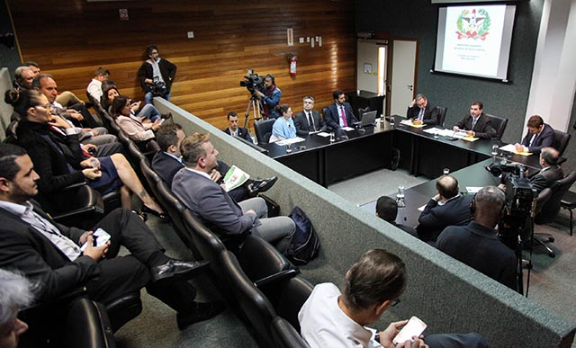 Empresa concessionária do Aeroporto de Florianópolis apresenta plano de gestão na AL