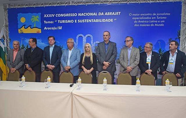 Abertura do congressso contou com a presença do governador e do ministro do Turismo (Foto: Divulgação)
