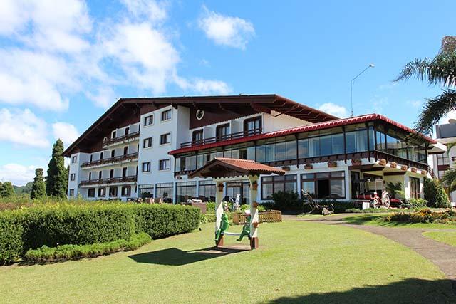 Hotel Renar completa 36 anos e presenteia hóspedes com super desconto