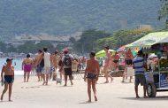 Cuidado com a bandeira lilás, ela indica presença de água-viva nas praias