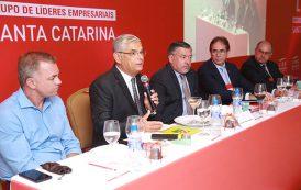 Em encontro com empresários, Pinho Moreira afirma que reduzir a máquina pública é prioridade