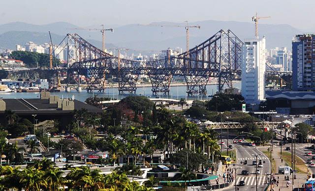 Governo do Estado espera entregar ponte Hercílio Luz até o fim de 2019