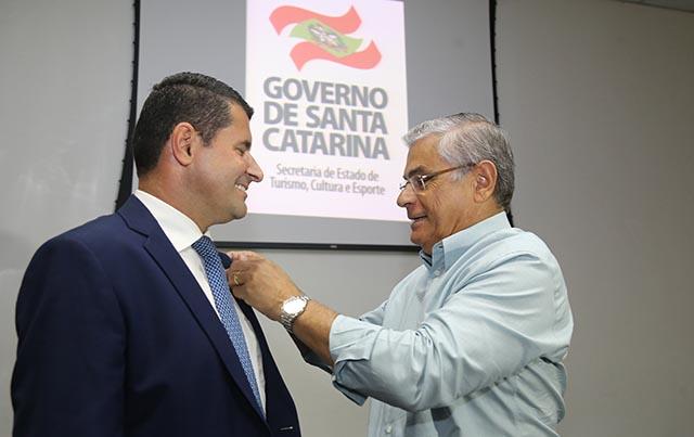 Governador dá posse ao novo secretário de Turismo, e reforça a importância do setor para a economia do Estado