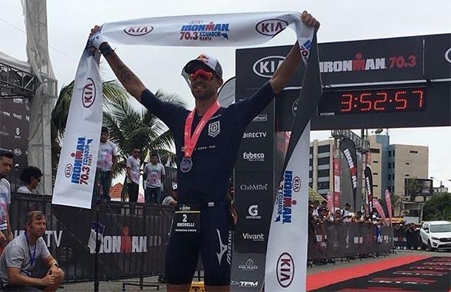 Igor Amorelli é o grande campeão do Ironman 70.3 no Equador