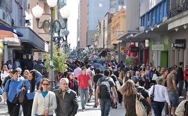 Comércio catarinense tem segundo melhor resultado do país em maio